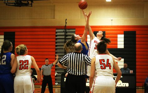 Wildcats Edged by Lake Forest in 48-44 OT Loss