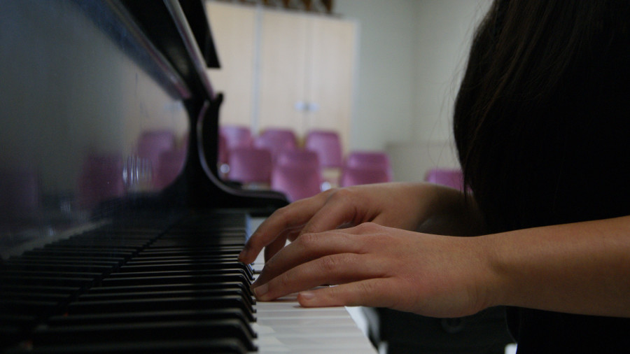 Lucia started playing piano at an early age and used it as a basis for her music in the future.
