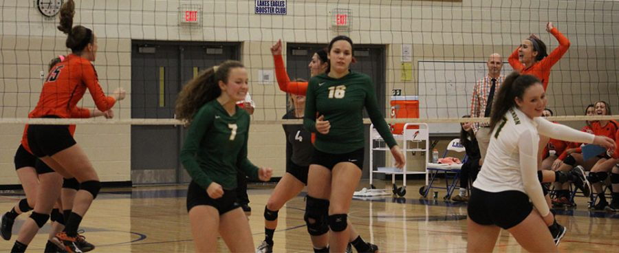 Stevenson+players+in+frustration+from+thier+error+while+Libertyville+celebrates.