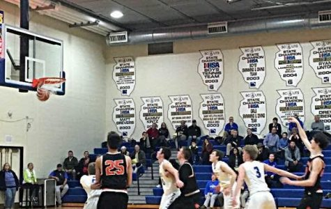 Drew Peterson makes a free throw for the Cats during the team's win at Lake Forest.