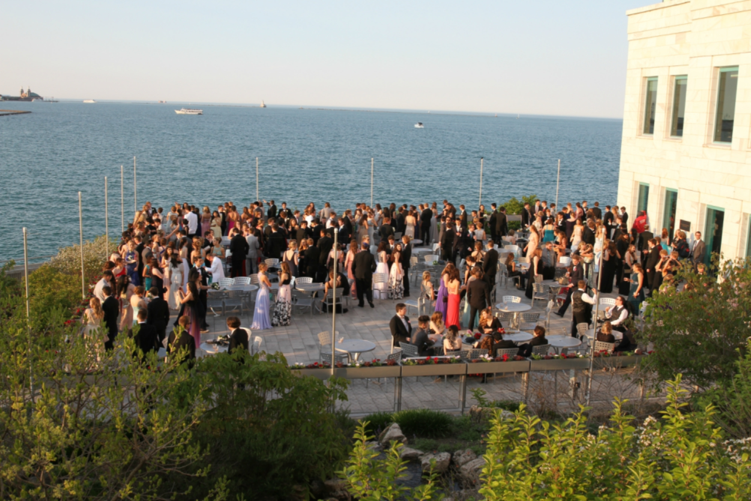 Prom 2017 will be held at the Shedd Aquarium, just as it was in 2016.