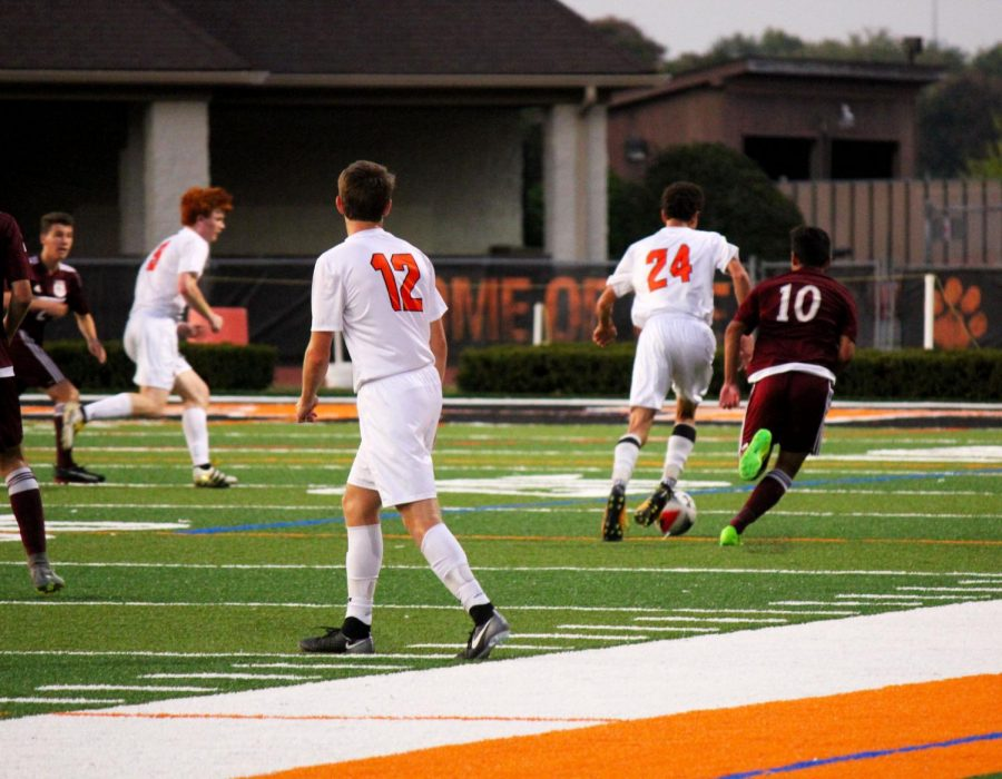 LHS+boys+varisty+soccer+had+a+14-0-2+season+record+and+was+ranked+as+the+number+three+team+in+the+nation+as+of+October+16.