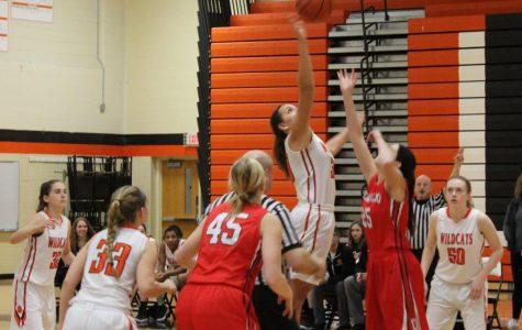 Girls basketball wins against Deerfield
