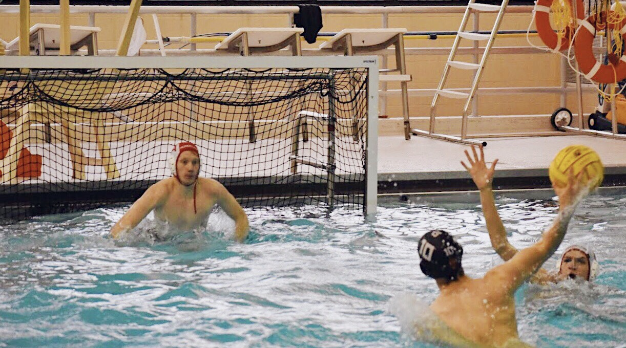 Michelotti+shoots+and+scores+a+goal+against+the+Mundelein+goalie.