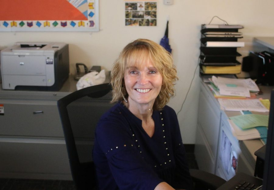 Prior to becoming a Wildcat, G-P LST secretary Mrs. Ronne he was a librarian at Vernon Hills High School.