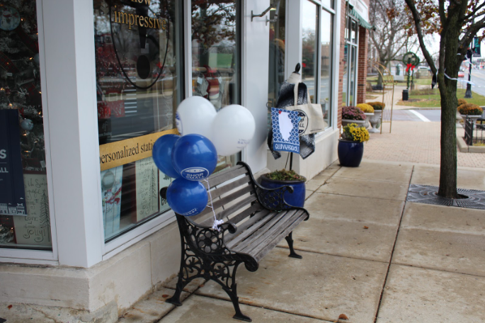 The shop how impressive! also tied balloons to the bench outside of their establishment as a symbol and recognition of the day.
