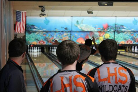 Boys bowling falls to district rival Vernon Hills