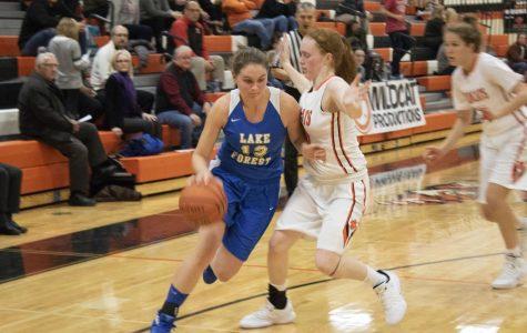 Girls basketball defeats Lake Forest
