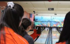 Warren defeats Libertyville's girls bowling, 7-2