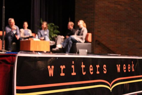 New York Times bestselling author visits LHS