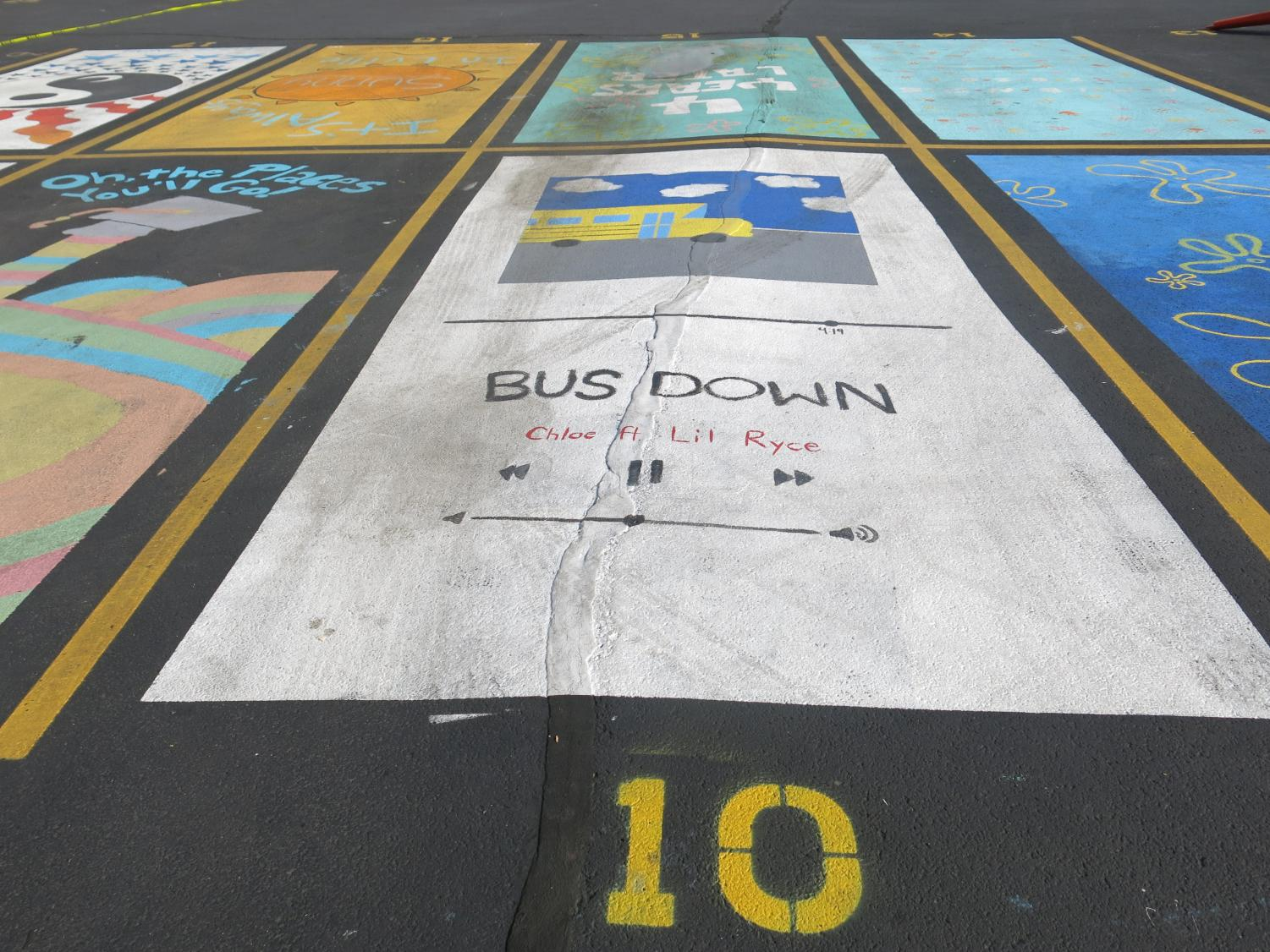 Seniors paint their carpool parking spaces – Drops of Ink