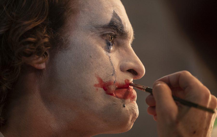 Joaquin Phoenix plays a violence prone, mentally imbalanced Joker