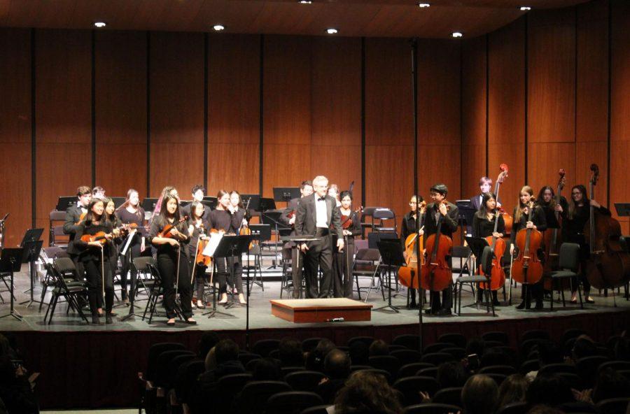The+Concert+Orchestra+played+three+pieces%2C+including+%E2%80%9CBrandenburg+Concerto+No.+3%2C+Simple+Symphony%E2%80%9D%2C+and+%E2%80%9CScherzo+from+Symphony+No.+5%E2%80%9D.