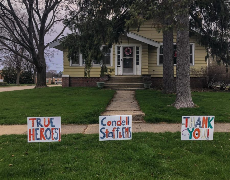 """Photo courtesy of Katie Suttie Many people around Libertyville have put """"thank you"""" signs in their yards to show appreciation for essential workers."""