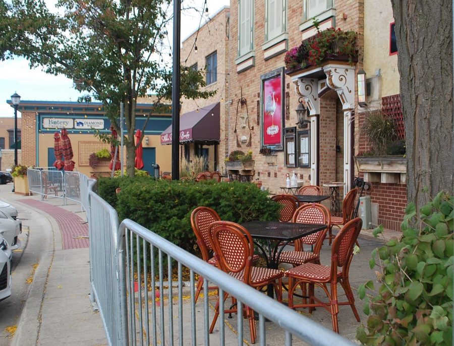Firkin created new outside seating by using the walkway behind the restaurant. Outdoor seating was a common change among many local restaurants to help them stay afloat.