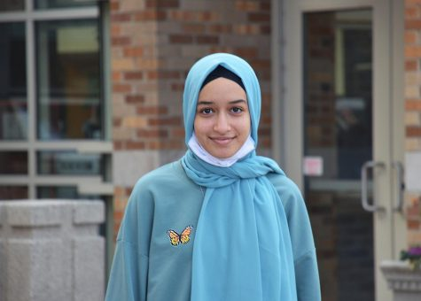 Junior Salma Taha, a new student to LHS, experienced the difficulties of participating in clubs through e-learning. She finds it harder to connect with people because there's less face-to-face interaction.