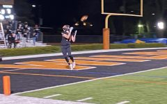 Connor Dickson catches a wide-open touchdown pass in the 4th quarter.